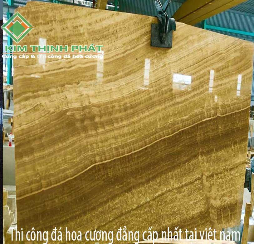 Giá đá hoa cương vàng vân gỗ